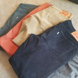 Lot of 5 mens Levi and Dockers